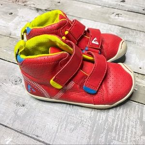 Plae red leather high top Velcro shoes